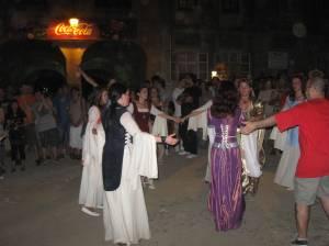 Dansuri medievale